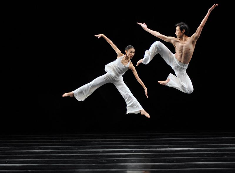 2014_FOTOSEPTIEMBRE-USA_News_Liu-Chen-Hsiang_Cloud-Gate-Dance-Theater-Photos_01