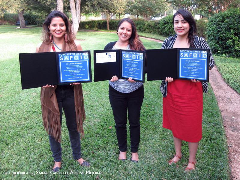 2016-fotoseptiembre-usa-choice-award_r-l-rodriguez_sarah-castillo_arlene-mejorado